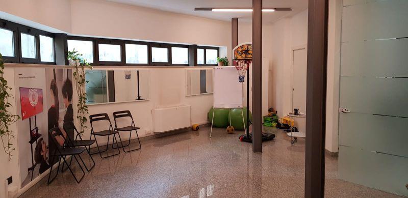 affittasi ufficio open space via custodi milano ufficio